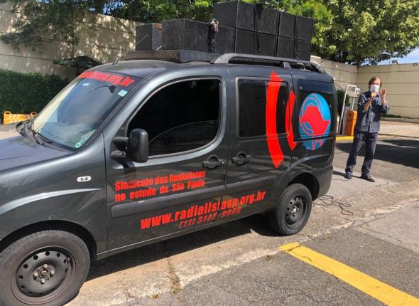 Na Campanha Salarial de Rádio e TV, sindicatos protestam por reajuste salarial pela inflação e pagamento da PLR