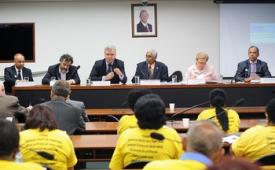 A imprensa não pode fugir de suas responsabilidades, diz Guto Camargo