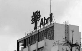 Abril não comunica demissões e paga multa a jornalistas demitidos