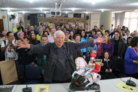Comemoração do aniversário do repórter no auditório Vladimir Herzog e o São Jorge como Troféu Indignação-Coragem-Esperança. Foto: Cadu Bazileviski/SJSP