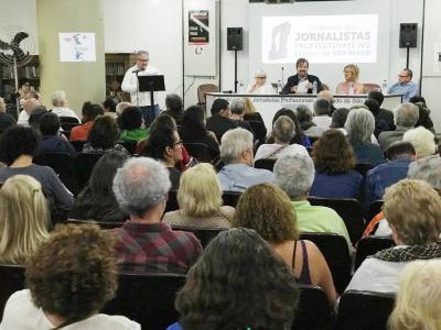Defesa dos profissionais, do Sindicato e reação ao golpe à democracia foram centro dos debates. Fotos: Roberto Parizotti