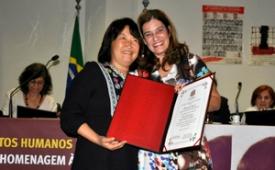Diretora do SJSP recebe prêmio por reportagem sobre o Pinheirinho