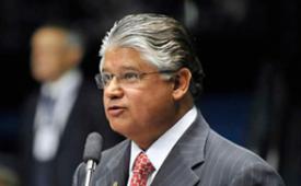 Jornalista precisa de diploma - artigo do senador Clésio Andrade (PR/MG)