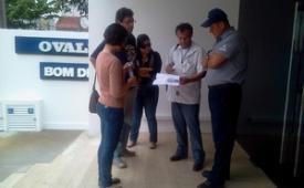 Jornalistas de O Vale são trancados dentro da empresa