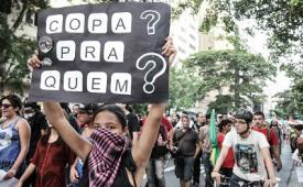 Jovem é baleado durante manifestação contra os gastos públicos com a Copa