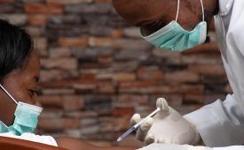 Parceria global oferece curso sobre cobertura jornalística da vacina para Covid-19