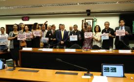 Parlamentares e especialistas defendem regulamentação de jornalistas e radialistas para o exercício das profissões
