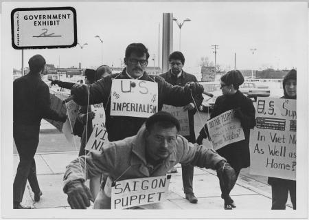 Protesto contra a guerra do Vietnã na cidade de Wishita, no Kansas (EUA). Foto: Wikicommons