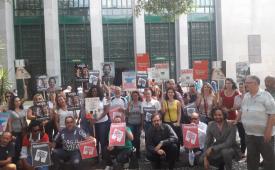 Trabalhadores protestam contra os 4 meses de calote da Abril